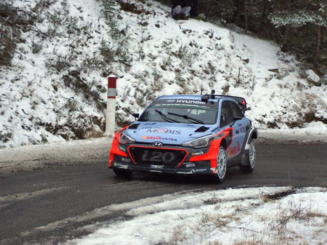 hyundai-examina-rally-montecarlo-wrc-2016-201625416_2